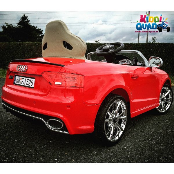 audi rs5 lectrique pour enfant 12 volts et t l commande parentale. Black Bedroom Furniture Sets. Home Design Ideas