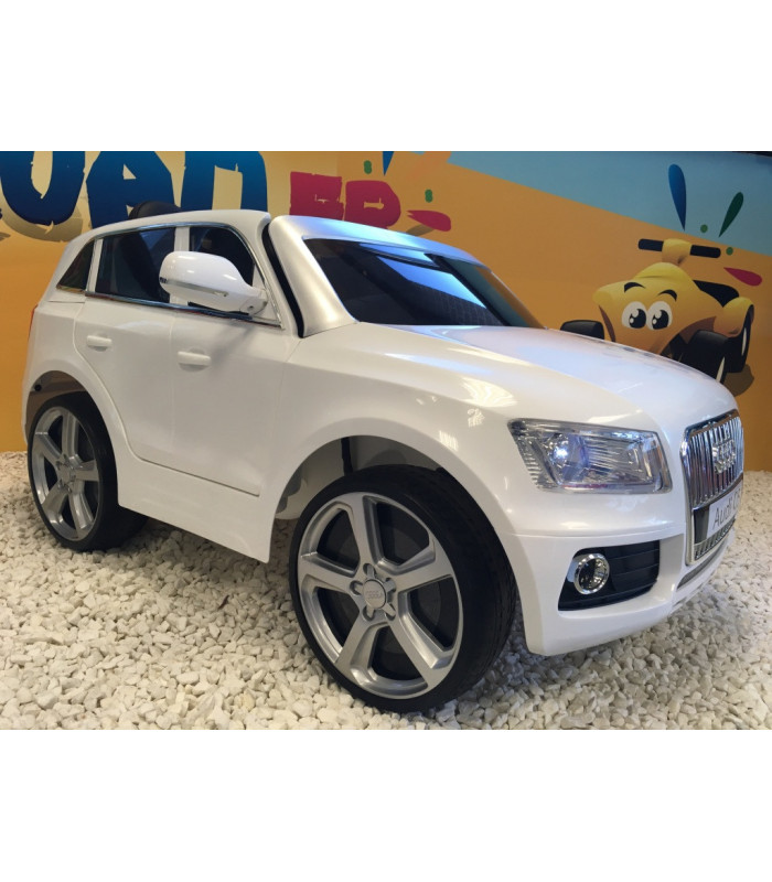 audi q5 blanc 12 volts avec t l commande parentale et roues gomme. Black Bedroom Furniture Sets. Home Design Ideas