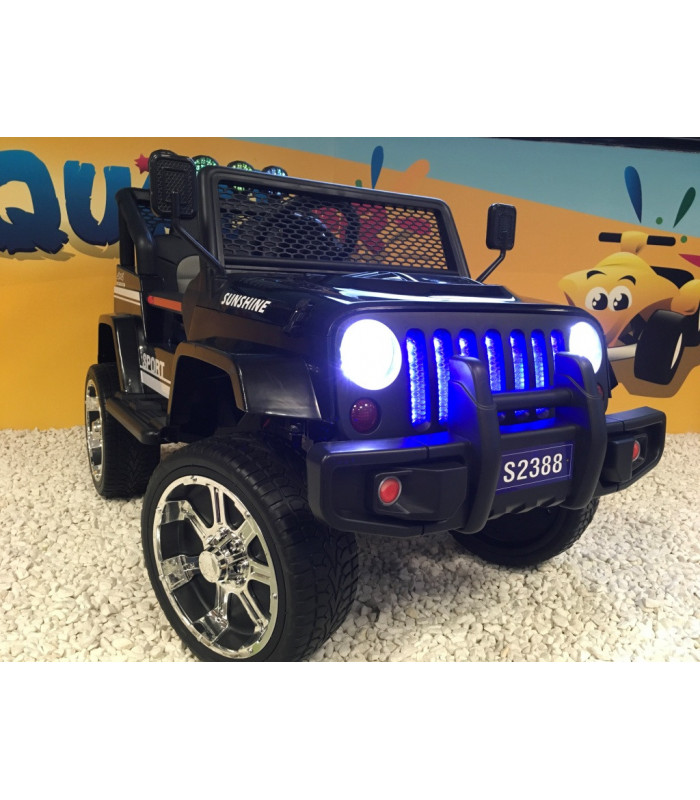 4x4 jeep noir 4 roues motrices de 45w voiture lectrique 12 volts roues gomme et t l commande. Black Bedroom Furniture Sets. Home Design Ideas