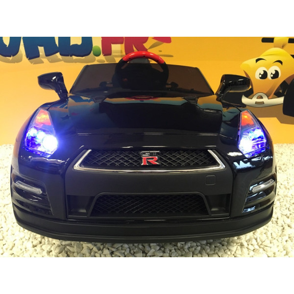 nissan gt r noire 12 volts pour enfant avec t l commande parentale. Black Bedroom Furniture Sets. Home Design Ideas
