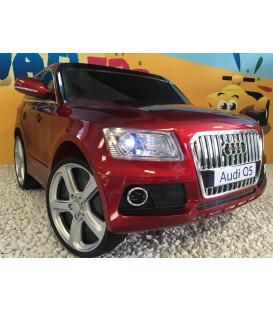 Audi Q5 12 volts rouge métal, voiture électrique pour enfant