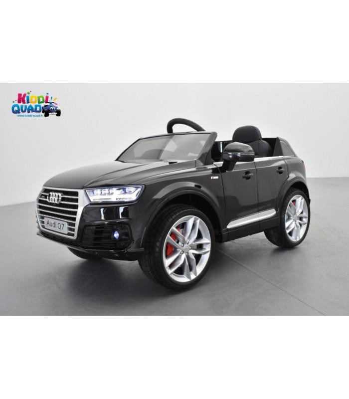 7a774b09055028 Audi Q7 S-Line Noir Orca métallisé, voiture électrique pour enfant 12 volts