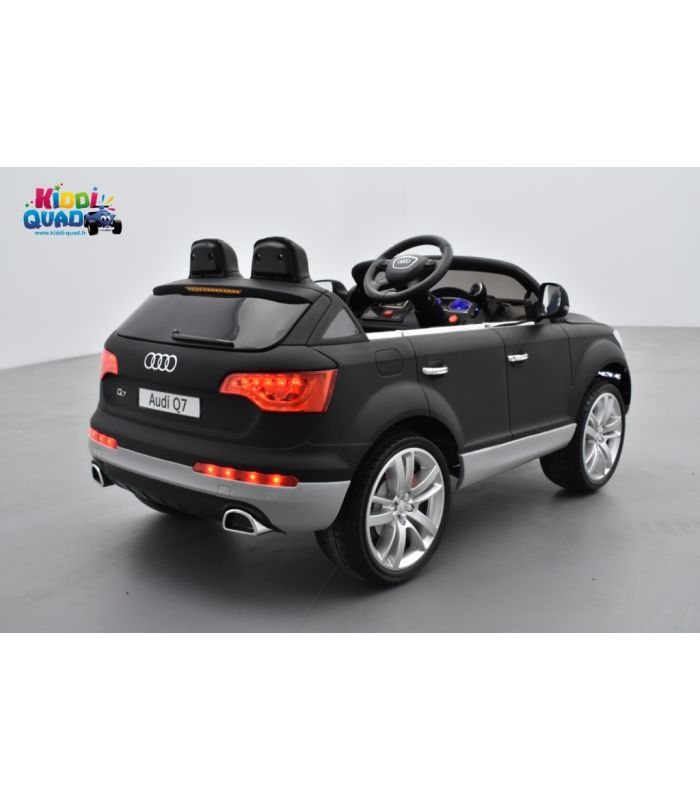 audi q7 12 volts pour enfant version luxe peinture noir mat. Black Bedroom Furniture Sets. Home Design Ideas